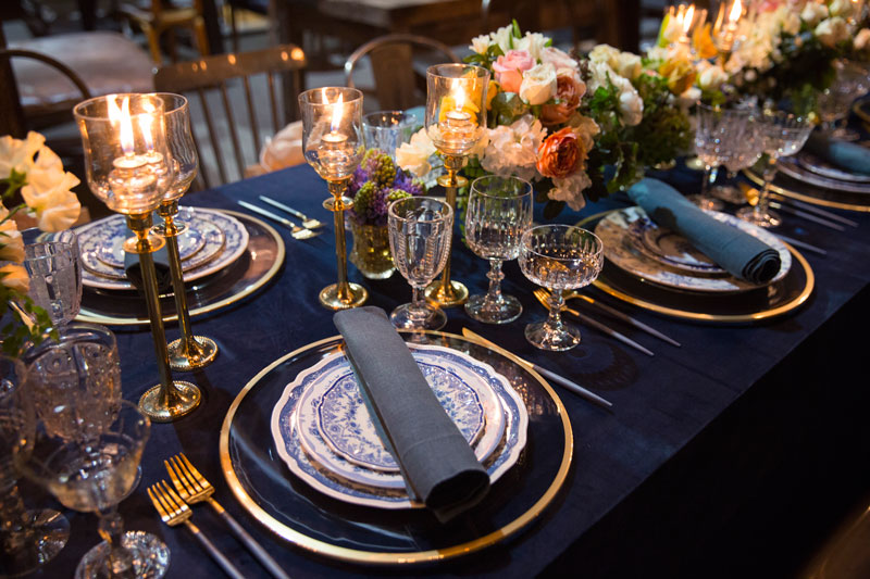 Louise-Roe-Elegant-Navy-and-Gold-Tablescape-Front-Roe-3.jpg