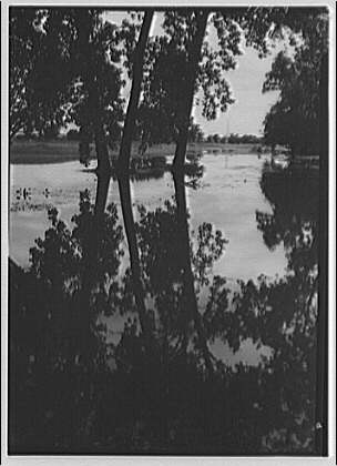 Flood of August 23, 1933. East Potomac golf course looking to Washington Monument from Hains Point