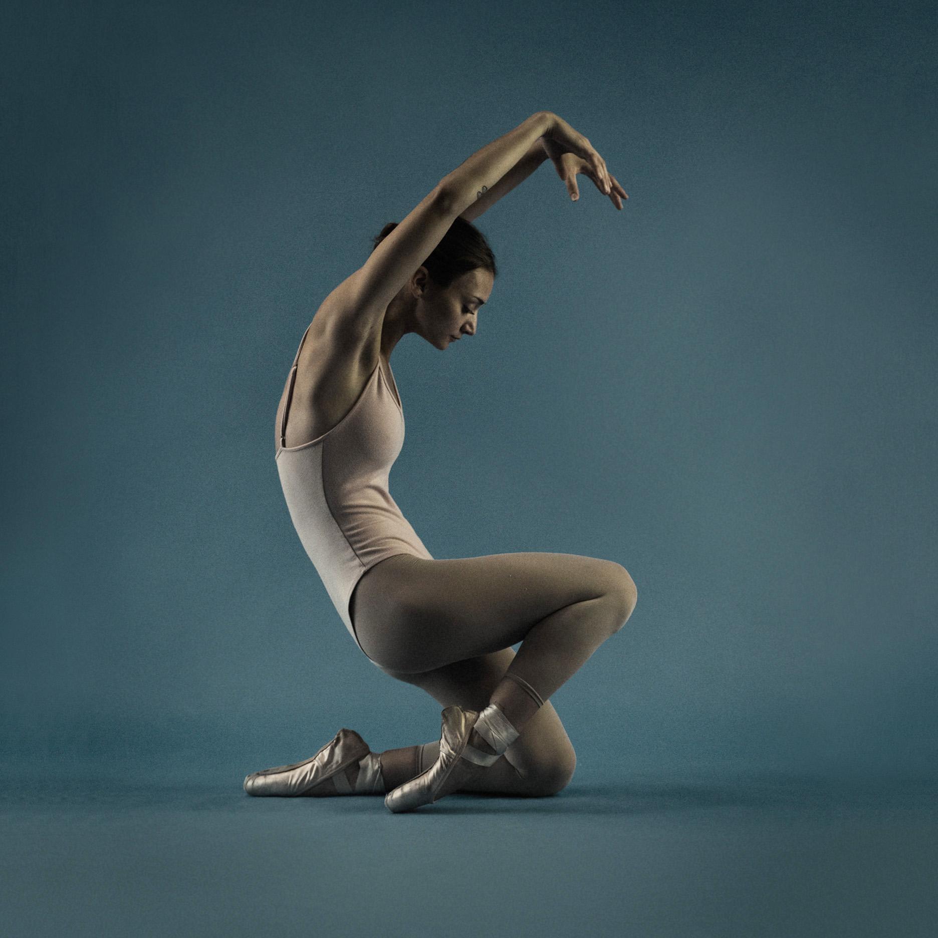 Crouching Ballerina