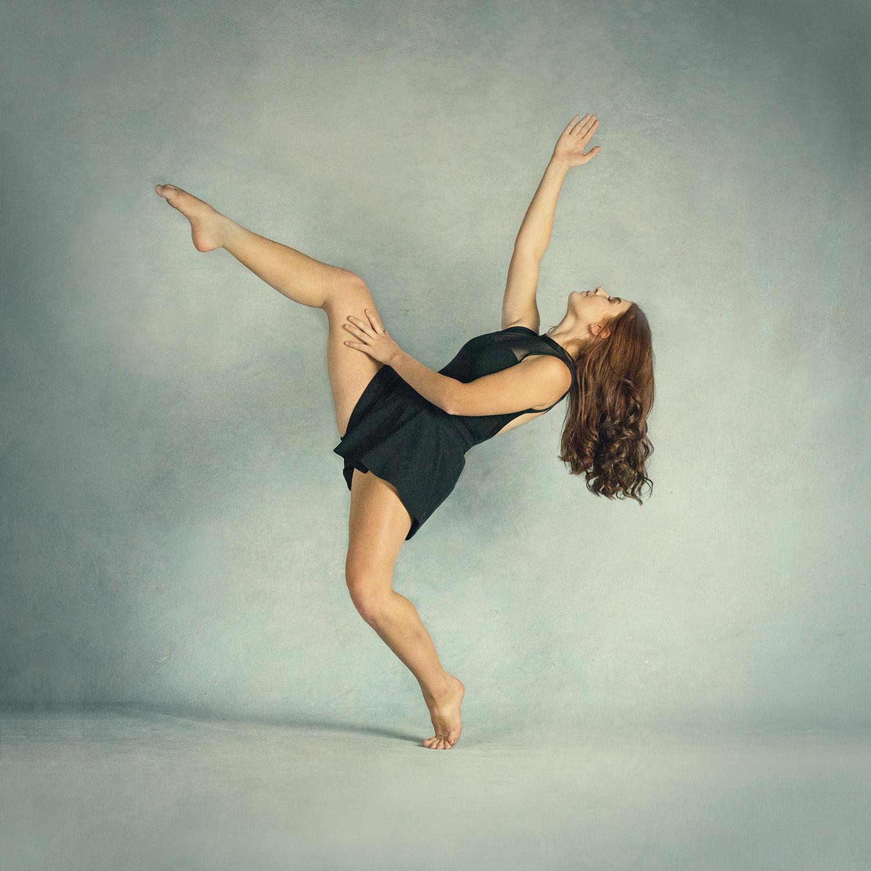 Kicking Dancer