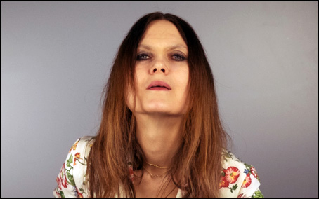Juliana Hatfield Blocks Out the World As We Know It and She Feels Fine - Albumism