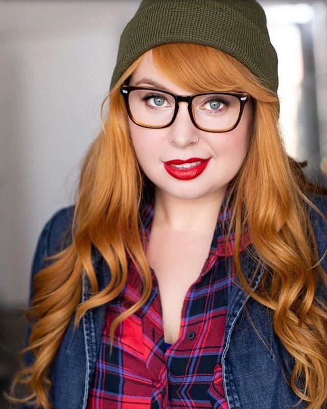 hey, that croissant is on the house 👉🏻🥐 #flirtybarista #hipster #character #headshot 📸 @joannadegeneres