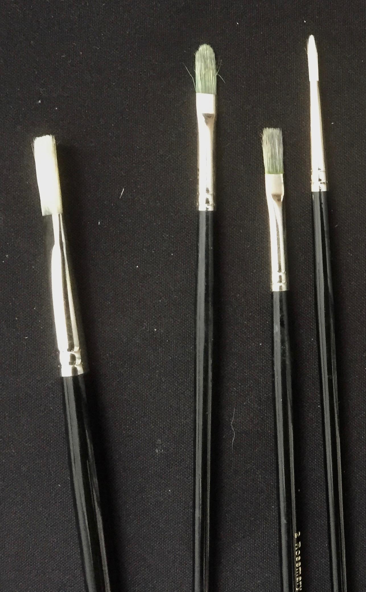 Flat, filbert and round brushes.