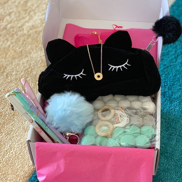 Our PomPom Box! A fun box filled with pompom garland, pompom cat purse, pompom keyring, 4 super cute charm get pens and a gorgeous NSEW necklace. Super limited 💕 . . . #limited #tween #tweengifts #giftbox #pompom #catpurse #stationery #keyring #pompomgarland