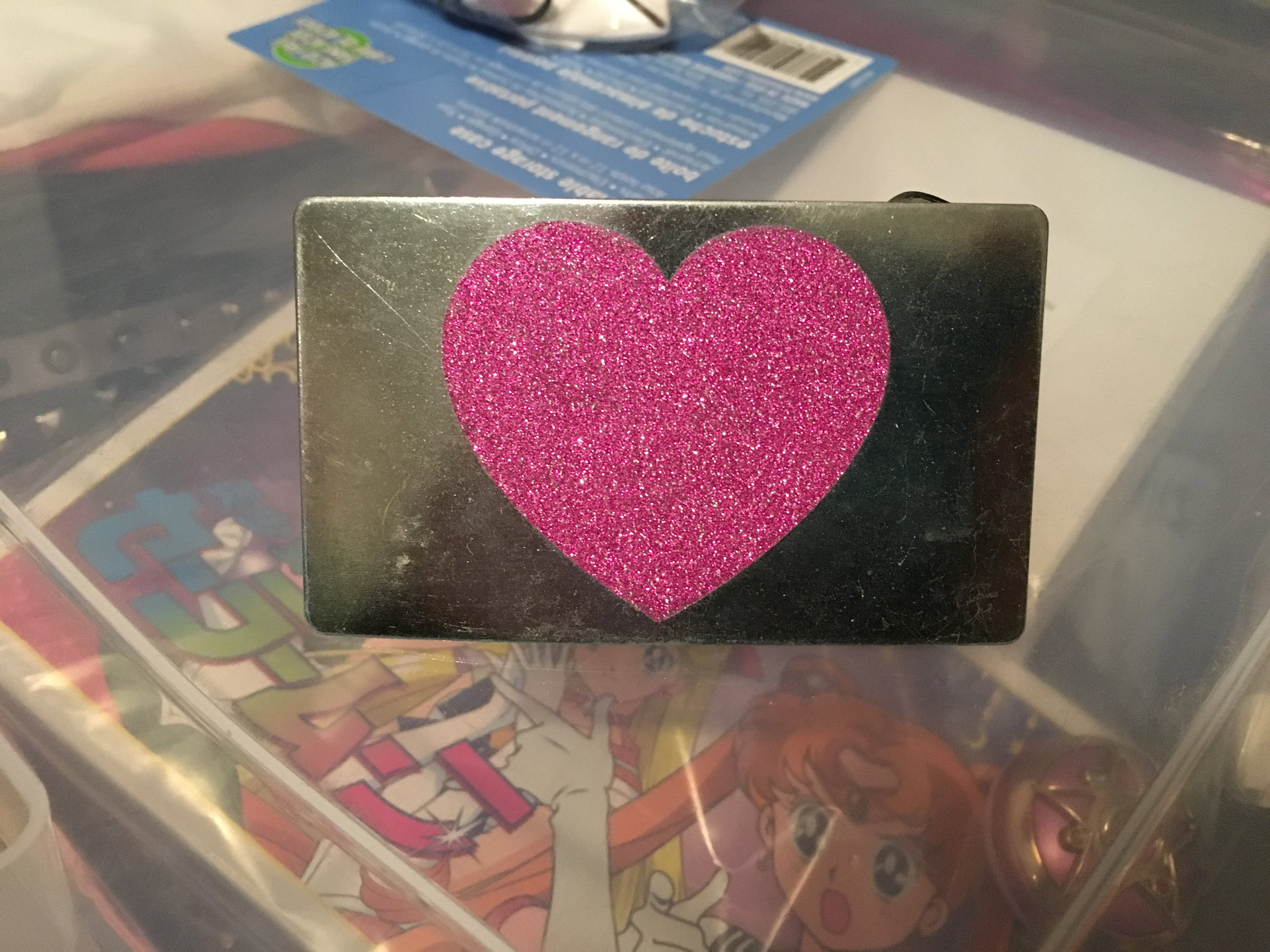 Glitter heart belt buckle