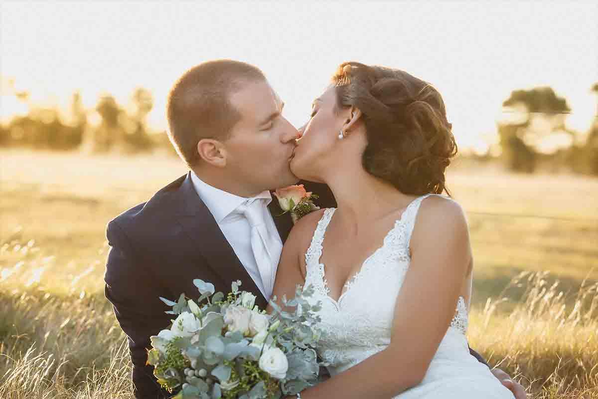 Ammon-Creative-Wedding-Contact.jpg