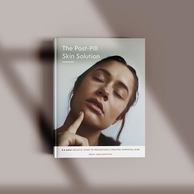 INTRODUCING The Post-Pill Skin Solution 🙌🏻 ... This 40+ page eGuide has been designed to support women seeking to transition off the pill while minimising the hormonal side effects like acne. It's a 6 week, holistic protocol rich in advice you'd get from a 1 on 1 consultation. This slow coming project has been building in the background for quite some time and I am so excited to have brought it to its completion. If you have been thinking about giving the pill a break, this is for you. If you want to learn how to repair your body post pill, this is for you. If you have any kind of hormonal acne this is also for you!! ... To celebrate this release it's over 30% off till July 28th. Tag your girlfriends and check out the link in my bio for a whole heap more info and a sneak peek into what's inside. 💚💚💚 #thepill #acne #acnetreatment #womenshealth