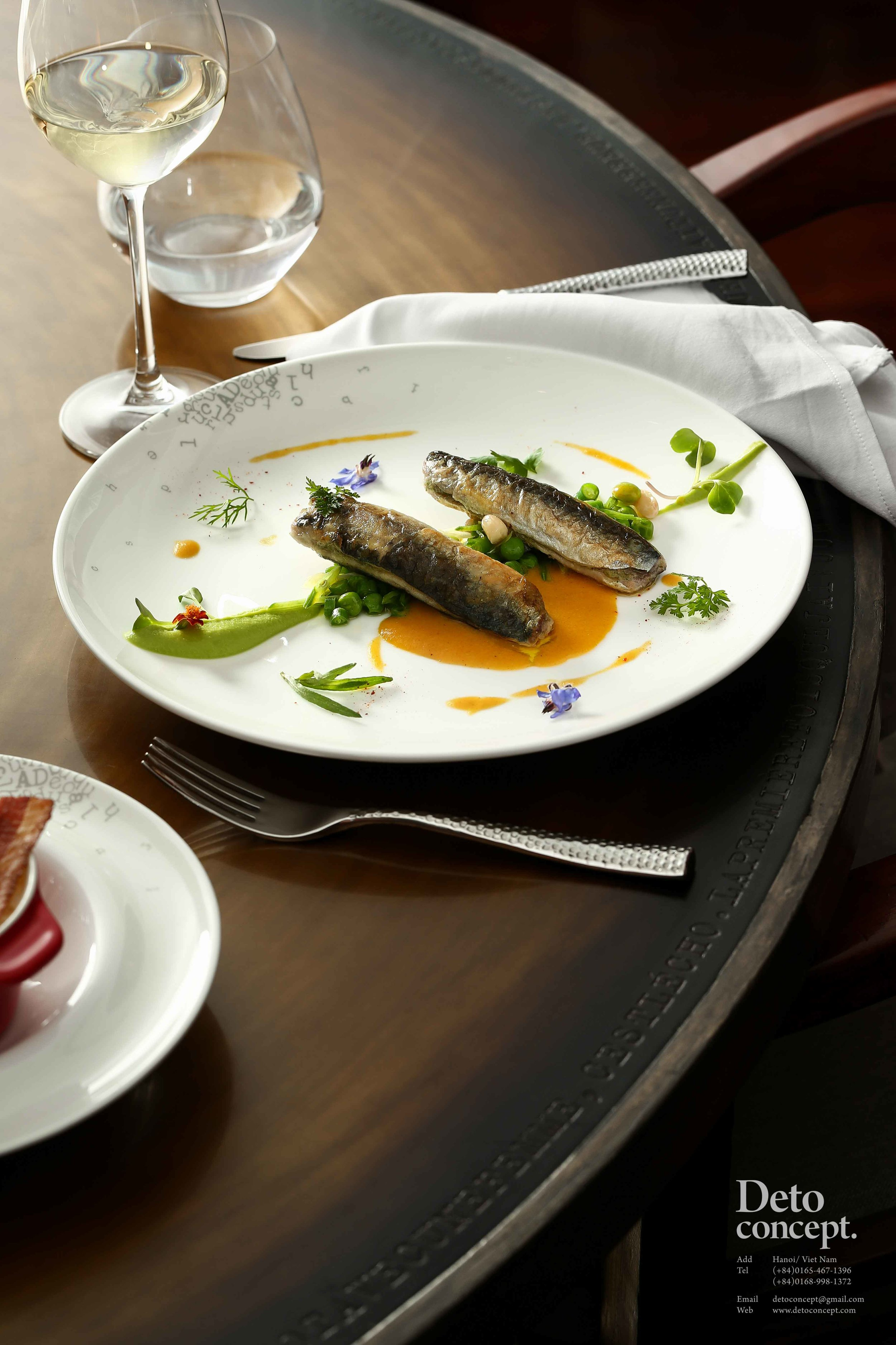 2.1 - Cripspy sardine with pesto and saffon sauce, sauteed green vegetables.jpg