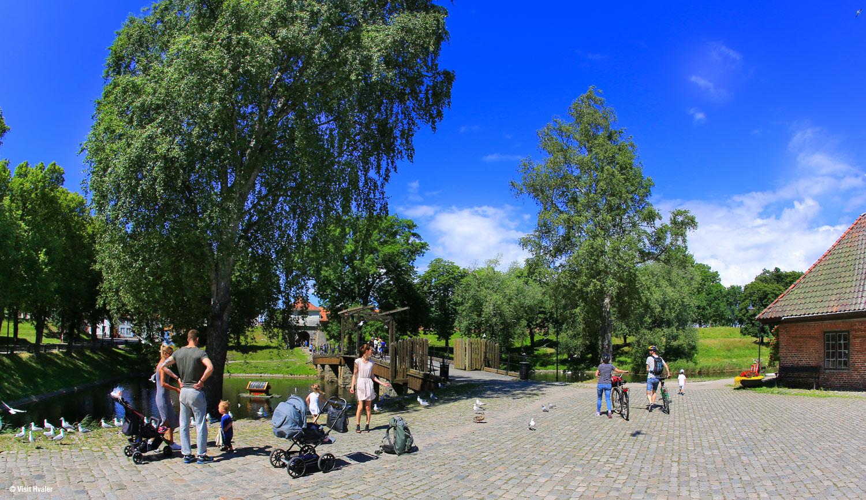 Gamlebyen-i-fredrikstad-med-vindebroen-og--1O2A7463.jpg