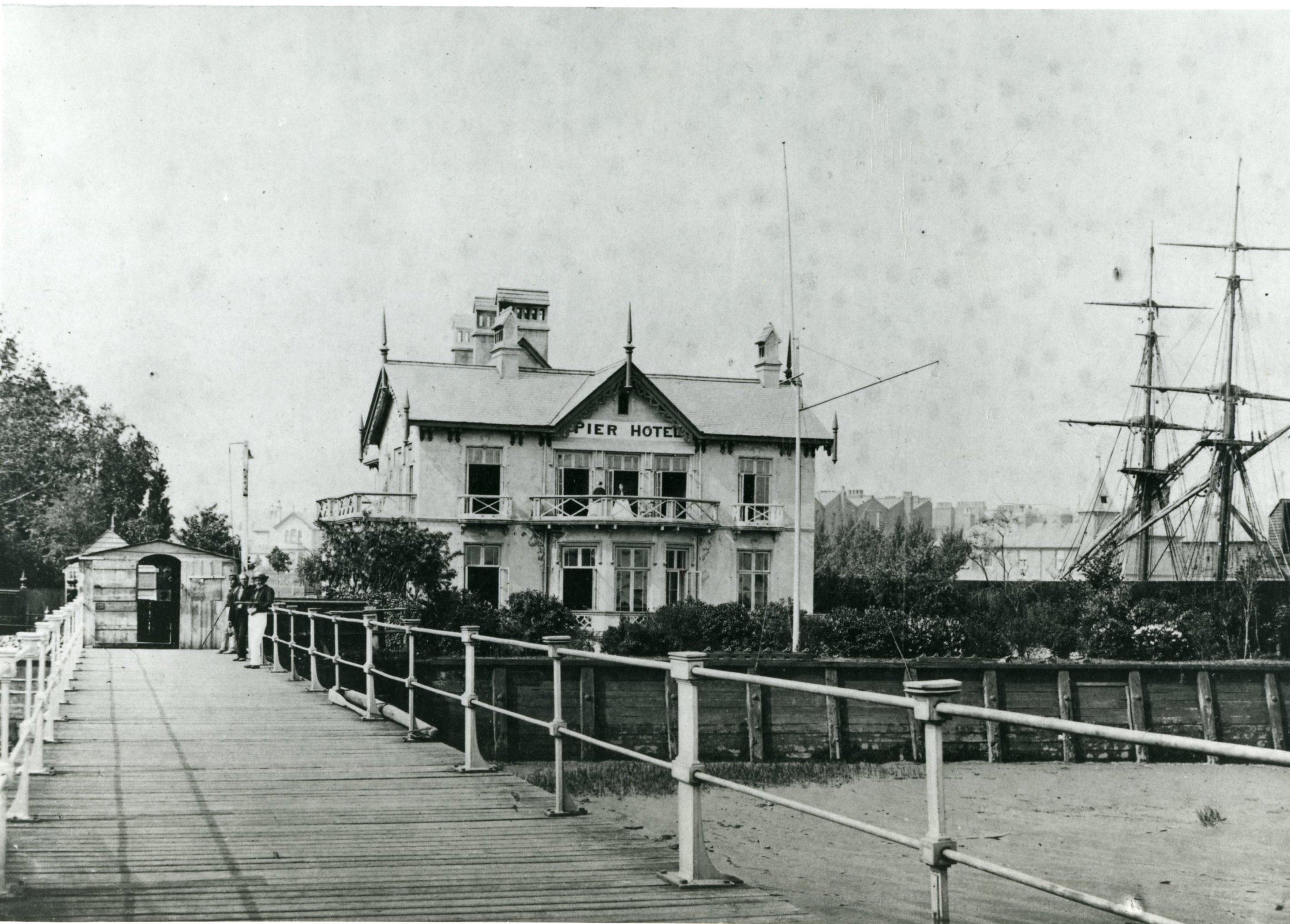 Erith pier & Pier Hotel with Brig Allerton Packet(c. 1860)