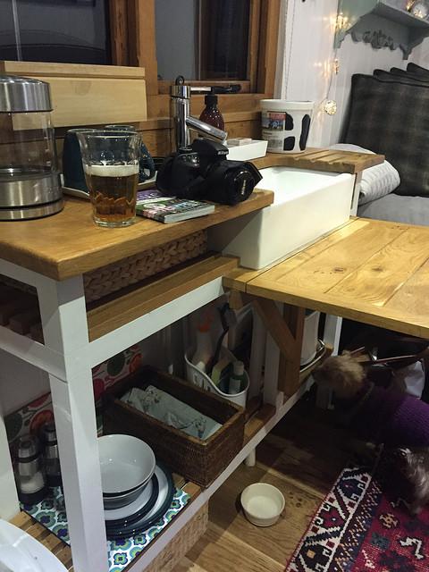 Kitchen in Shepherds hut.jpg