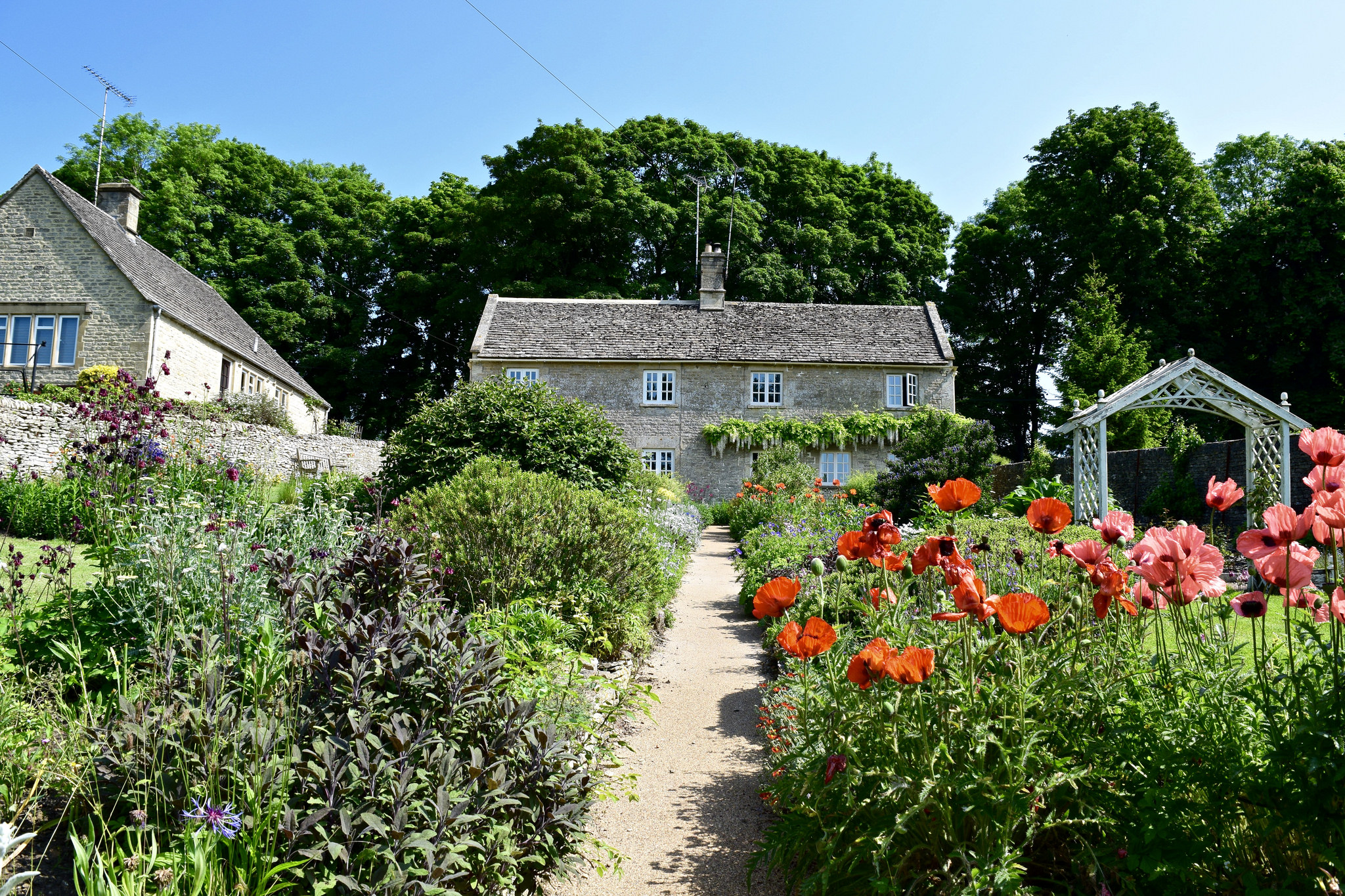 Our B&B in Ablington with beautiful gardens
