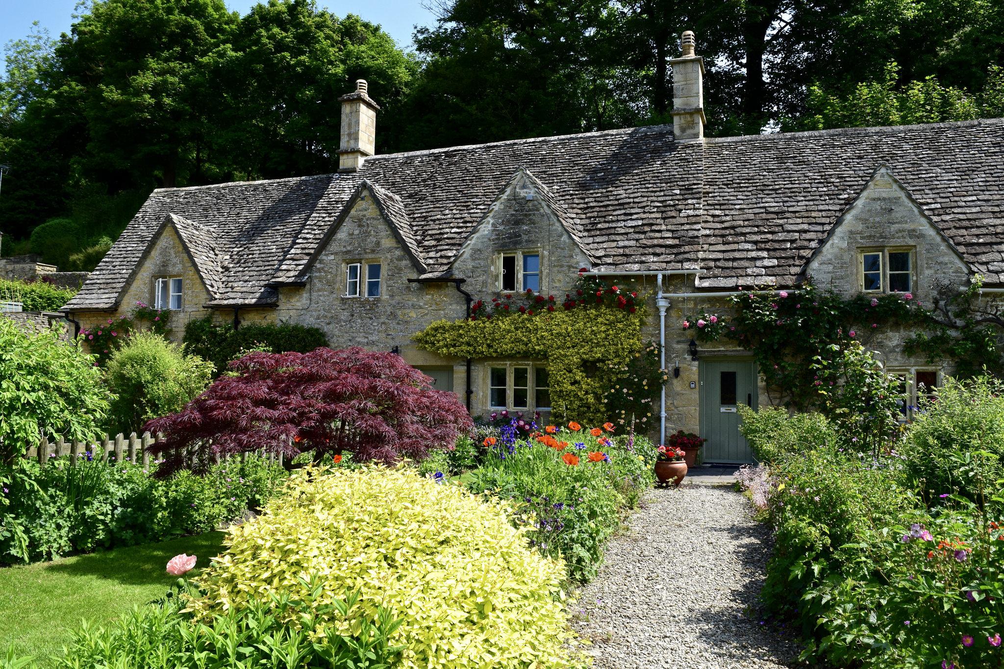 Beautiful English Gardens