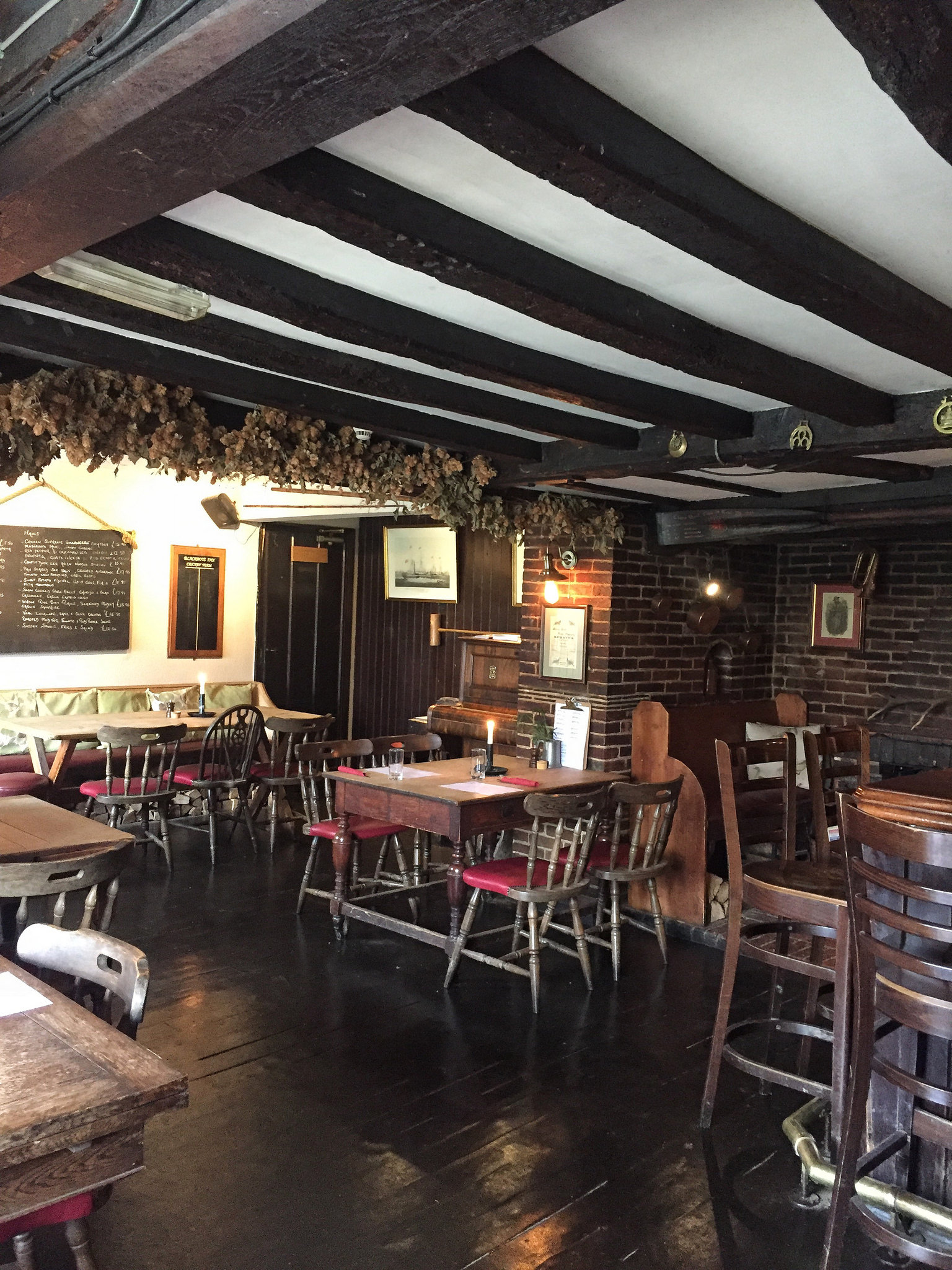 Blackboys Pub