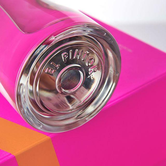 S T A R L I G H T. #thepinkbox #mezcal #ensamble #oaxaca . . . . #artisanspirits #foodie #thirsty #drinkstagram #craftspirits #tequila #designinspiration #fashionicon #cuishe #espadin #giftideas #mixology #cocktails