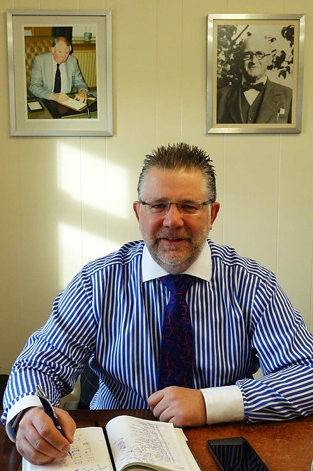 nic-fearnley-managing-director-IMT-UK-LTD-premium-quality-textiles-natural-fibres-wool-mohair-cashmere-angora-goat-alpaca.jpg