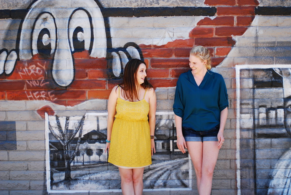 The wonderful lifestyle and travel blogger Bri Sul and Caitlin Mcaninch (Escape Reno) do a fun styled photoshoot in Reno, Nevada