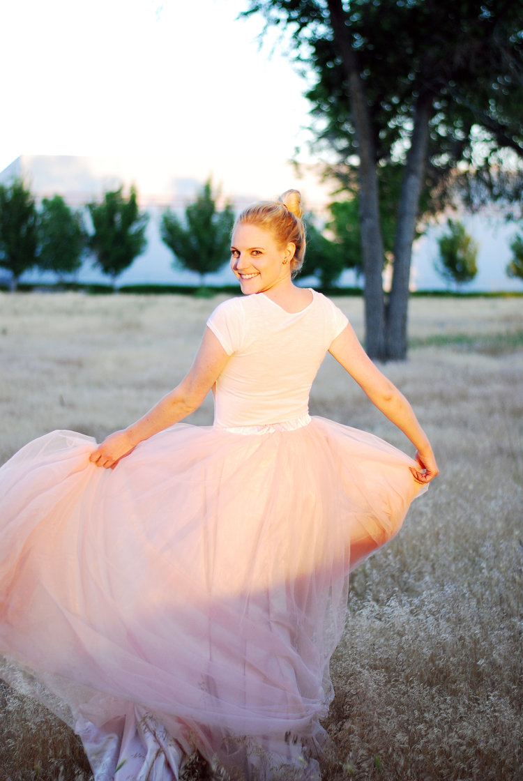The beautiful lifestyle and travel blogger Bri Sul in a pink Tulle skirt. A gorgeous styled photoshoot!