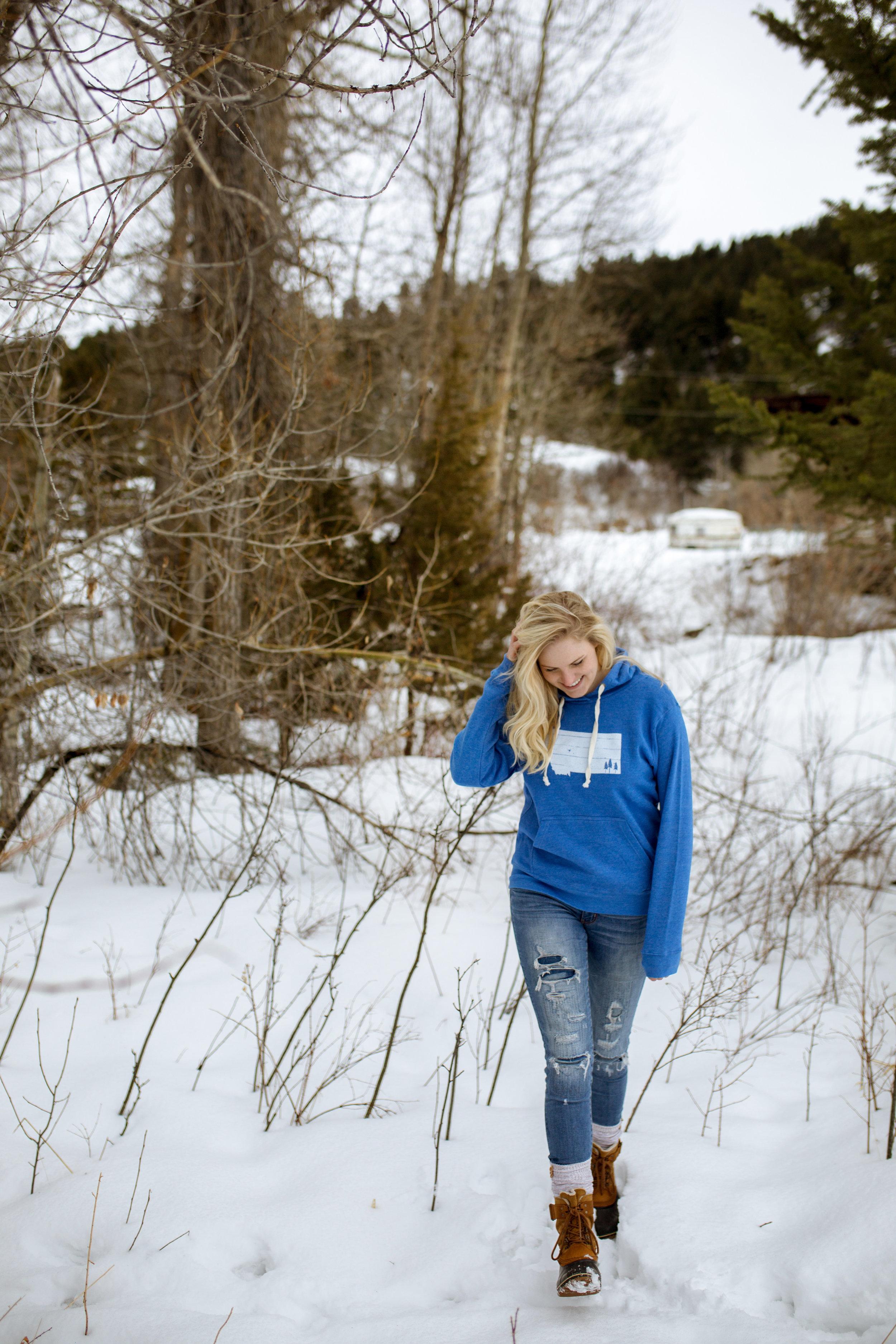 The Montana Scene Mountain outline tee shirt by blogger Bri Sul