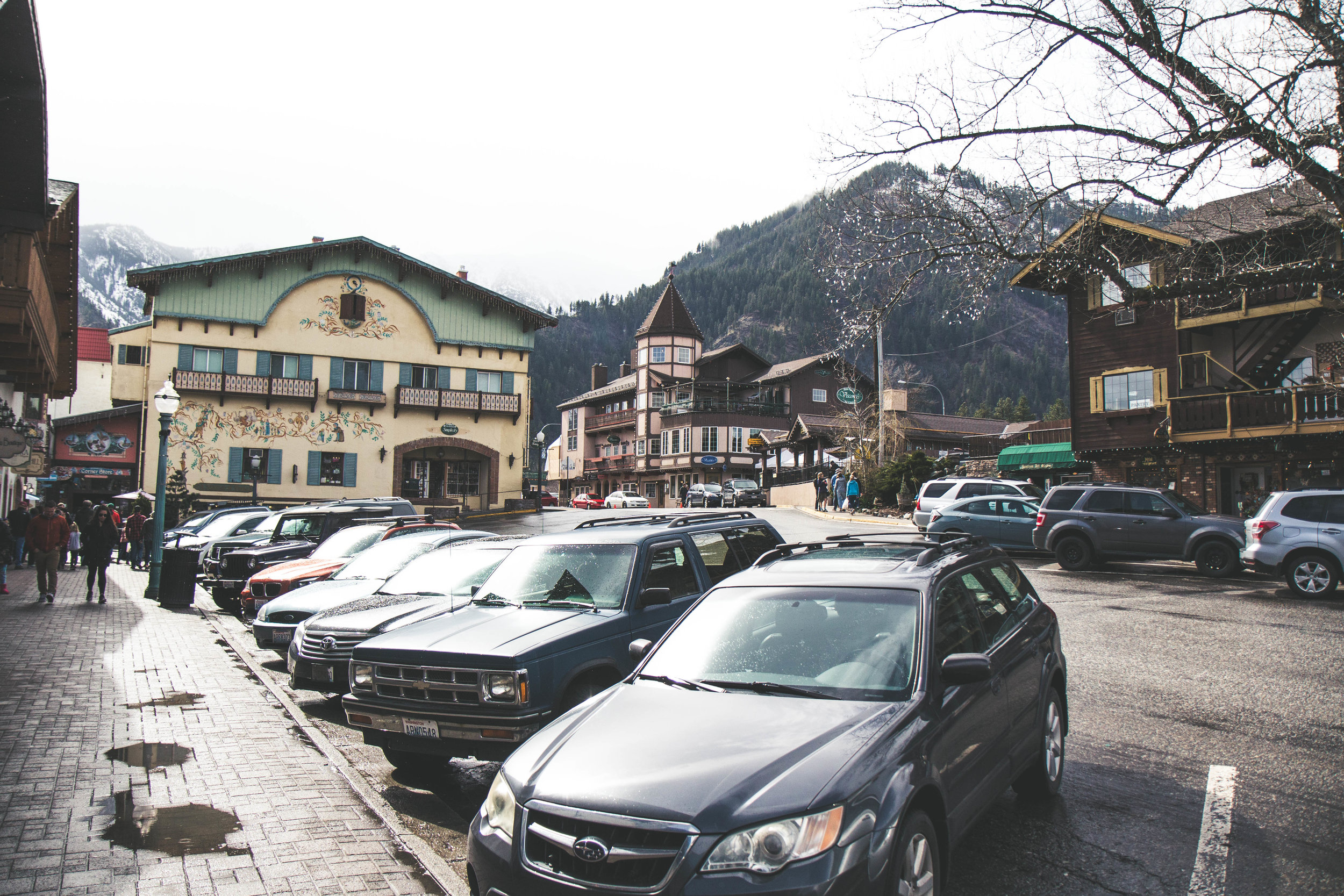 A Bavarian Village in Washington Leavenworth is a must visit for amazing shops, beer, wine, and traditional Bavarian food.