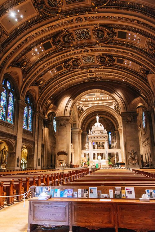 f.jpegThe beautiful Basilica of Saint Mary in Minneapolis, Minnesota. A must see!