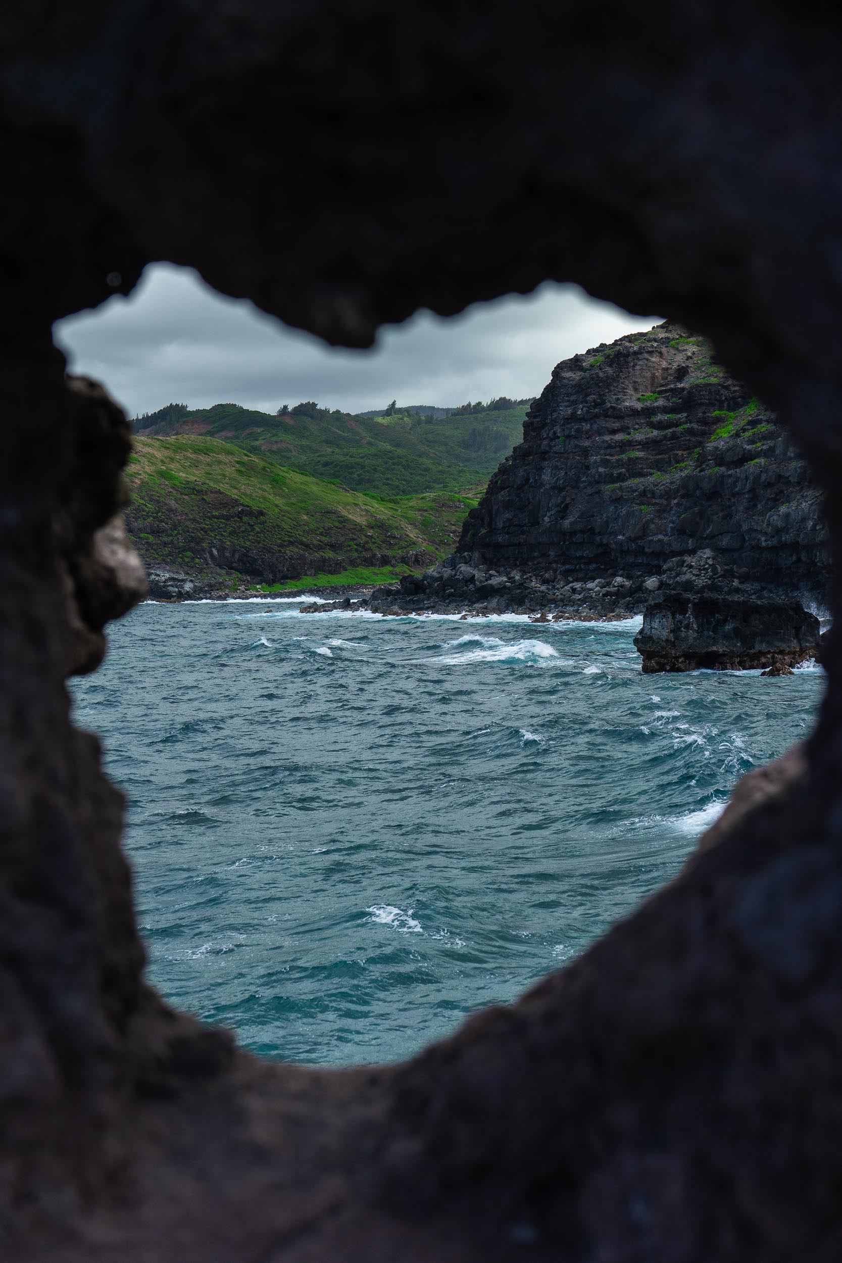 Nakalele Blowhole and Maui's Heart Shaped Rock. Tips, tricks, and things to do in Maui, Hawaii. The ultimate travel guide along with rare, locals only secrets