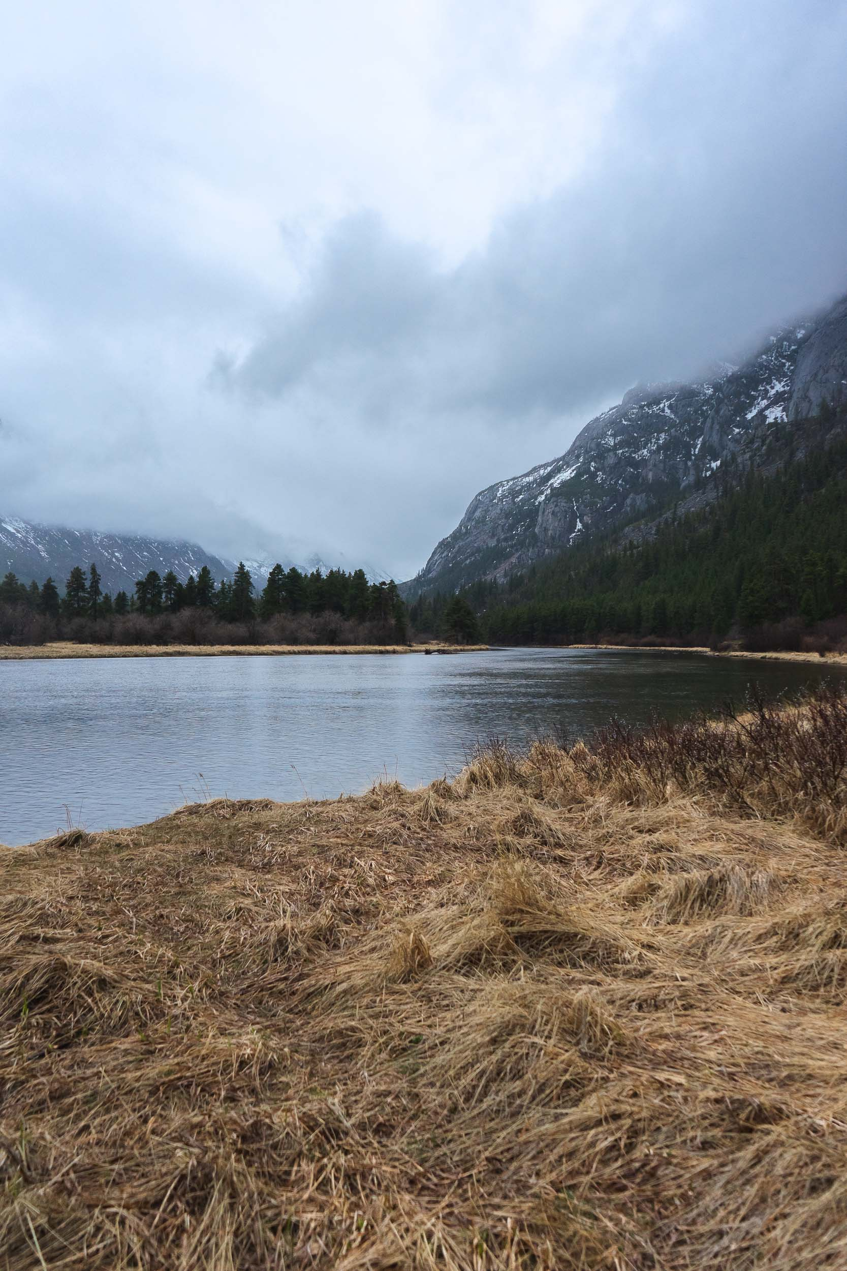 Sioux Charley Lake in the Absaroka Beartooth Wilderness. A moderately trafficked easy hike great for families. Enjoy waterfalls, granite mountains, wide open fields, and breathtaking views.
