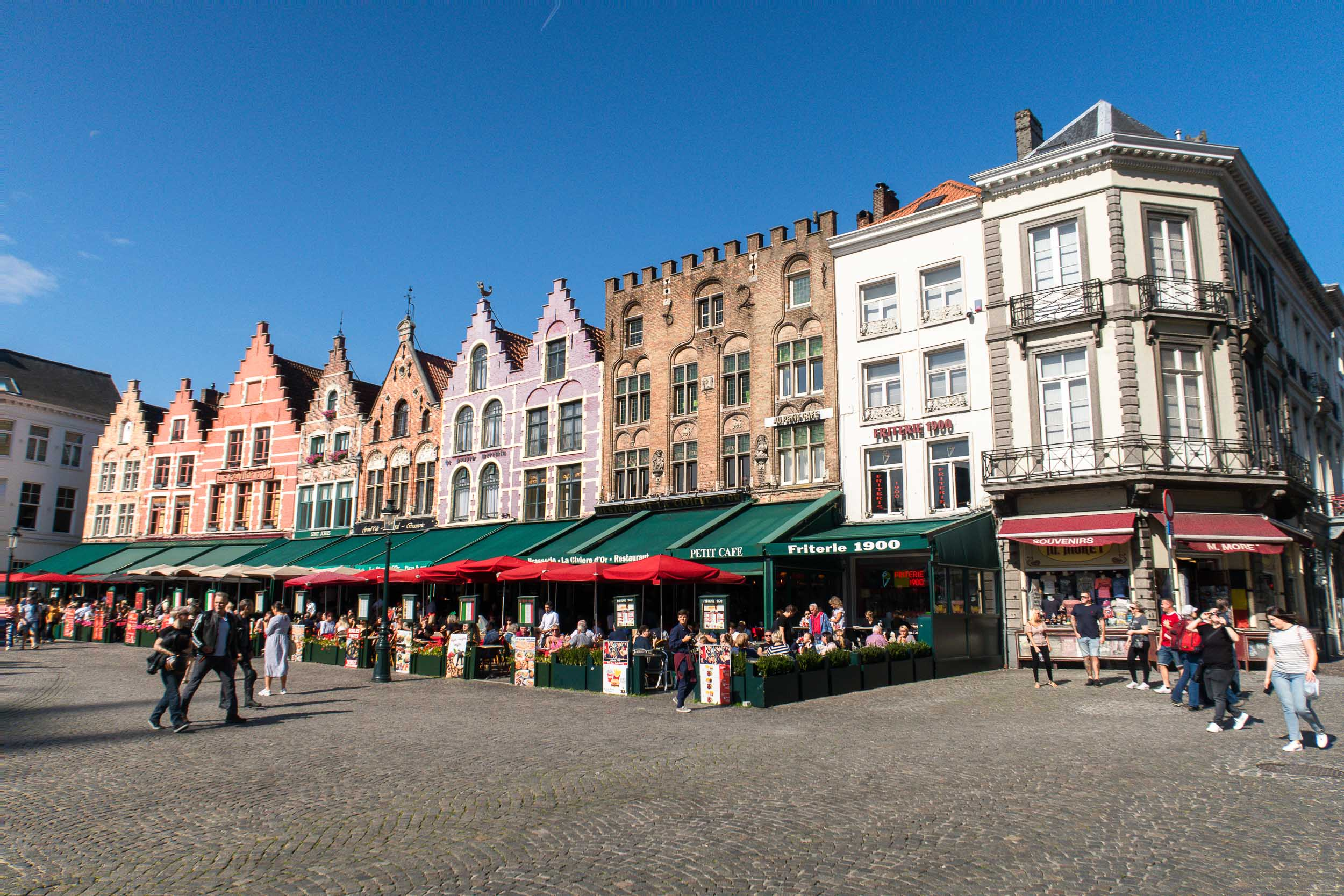 How to Spend One Day in the Beautiful Town of Bruges, Belgium. Everything you need to know about what to do and where to eat!