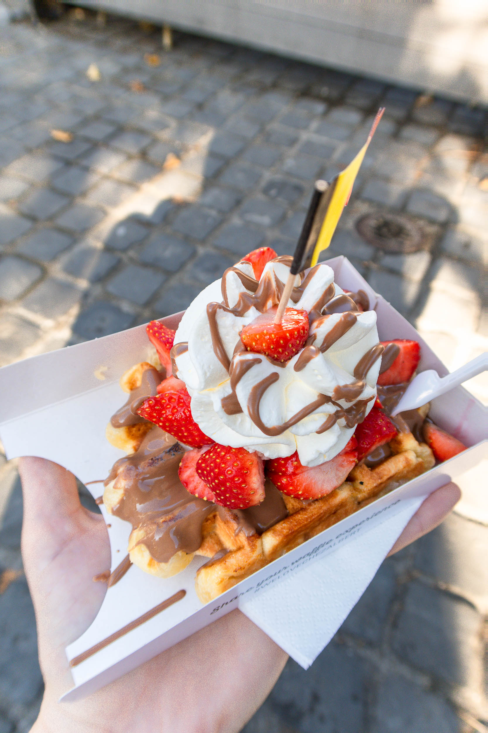 Where to get the BEST food in Bruges, Belgium for the CHEAPEST prices.