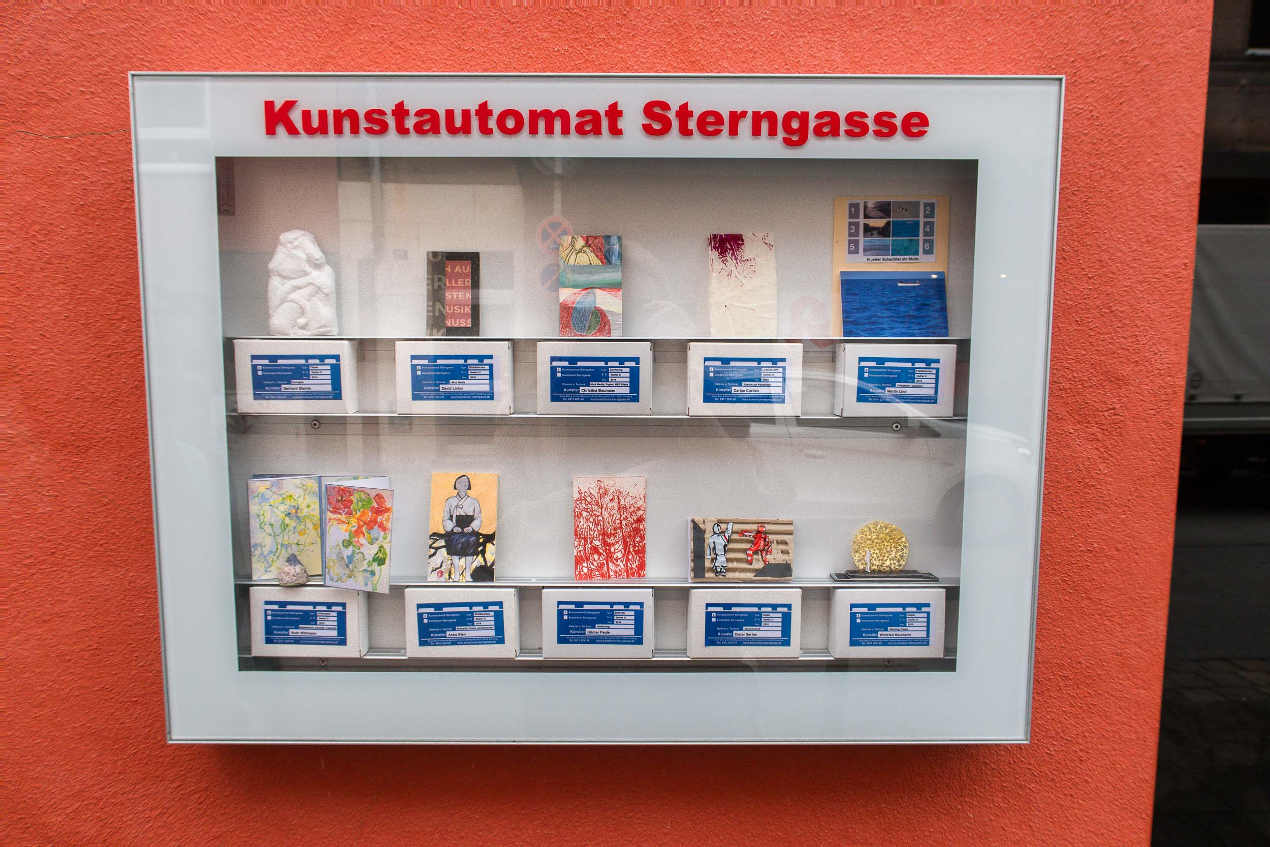 Art from a vending machine and other weird things you can find in Europe.