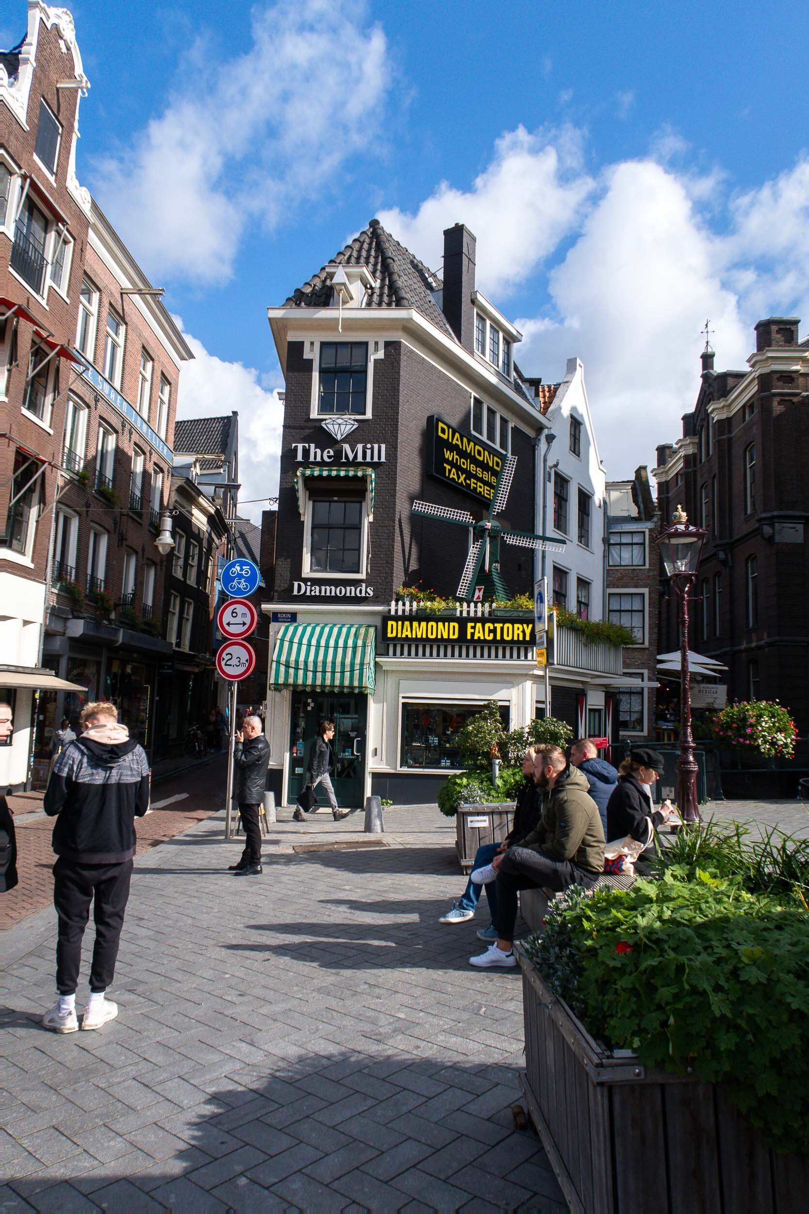 The ULTIMATE travel guide for Amsterdam!