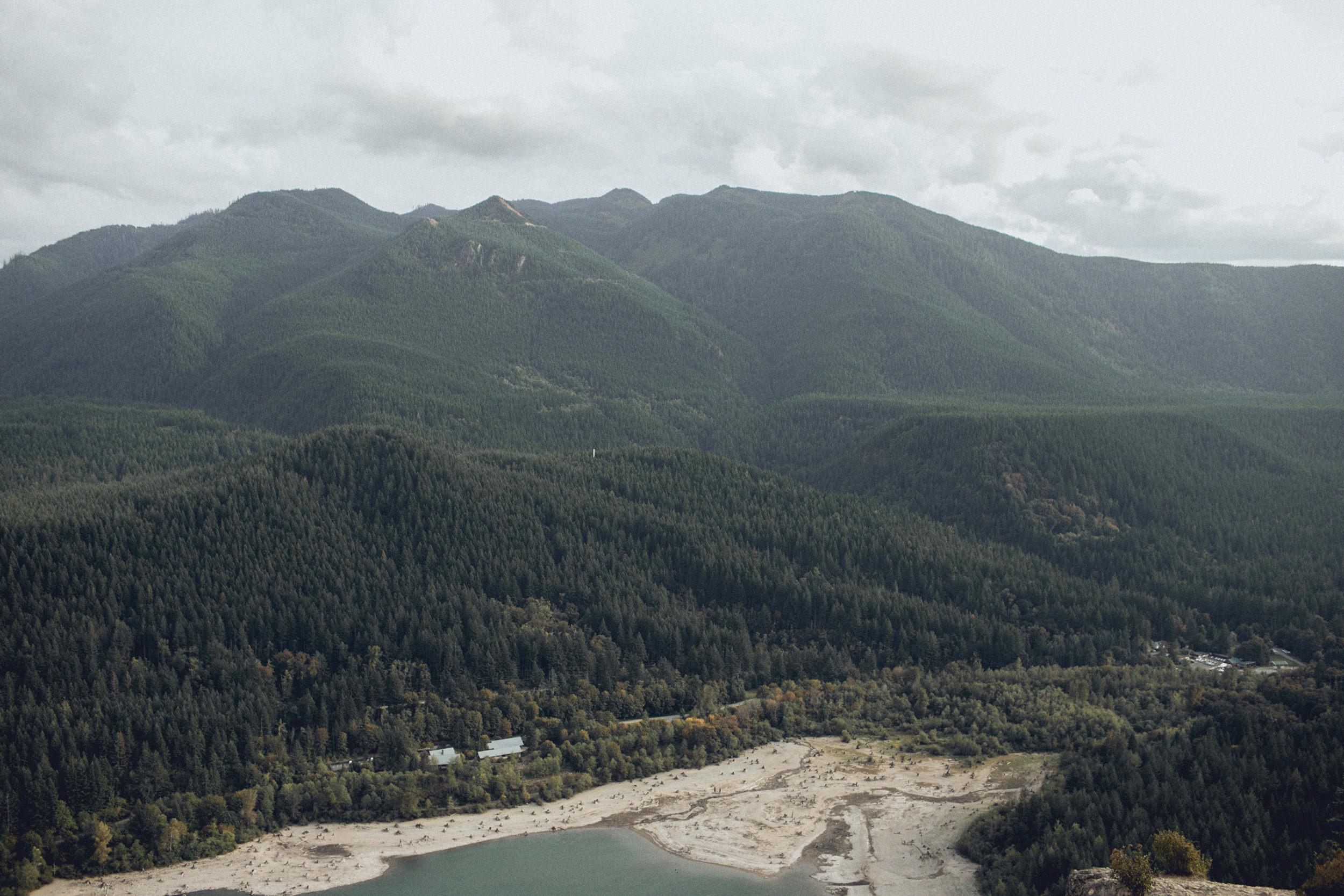 the view from rattlesnake ridge summit