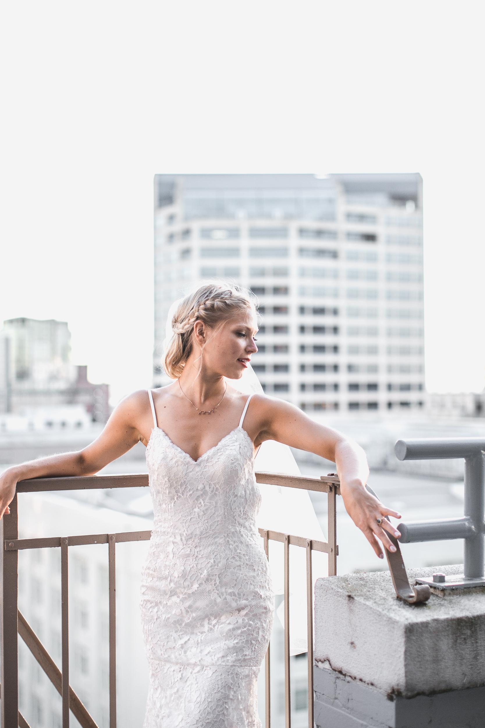 bride on top of roosevelt hotel
