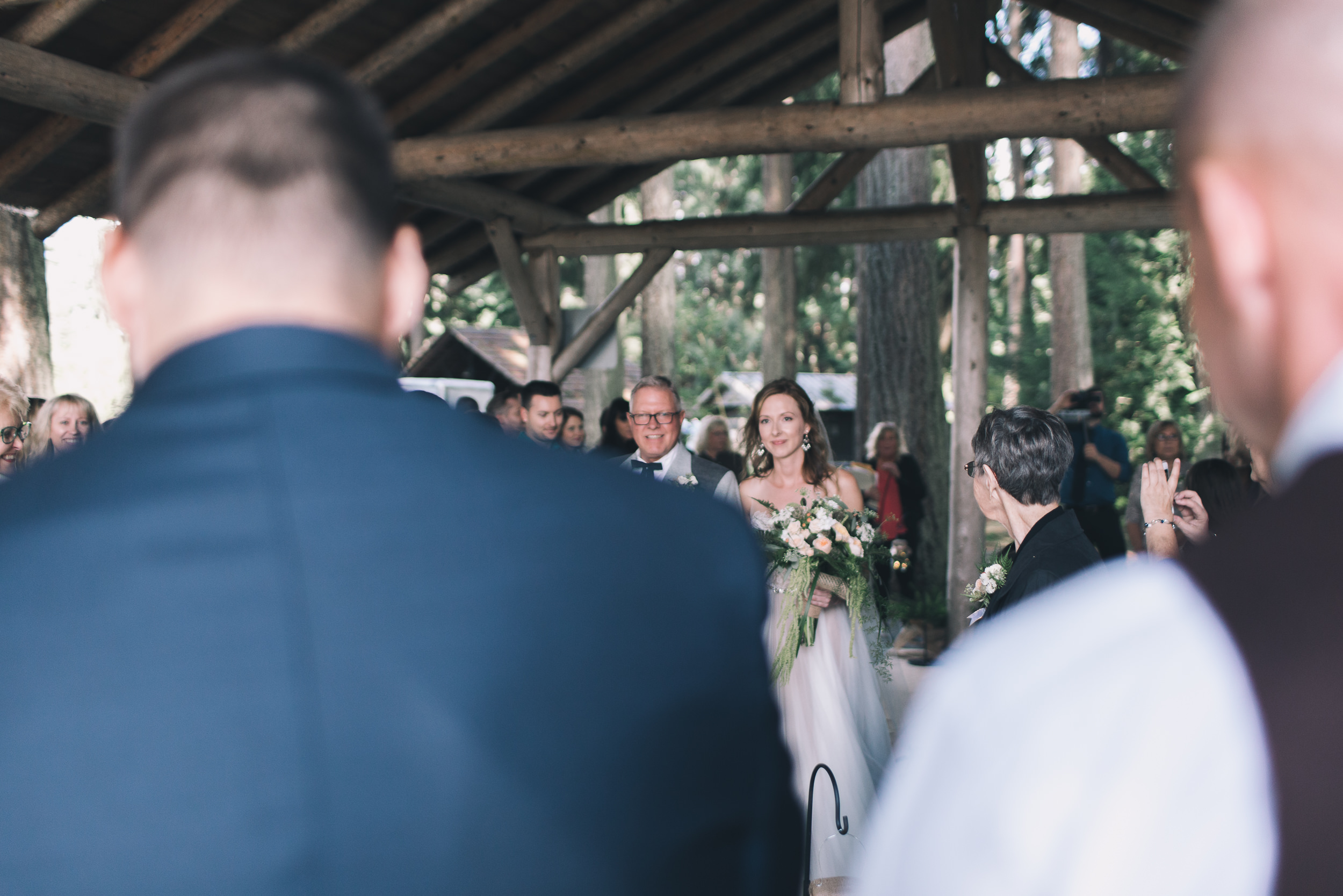 kitsap memorial state park groom waits for bride