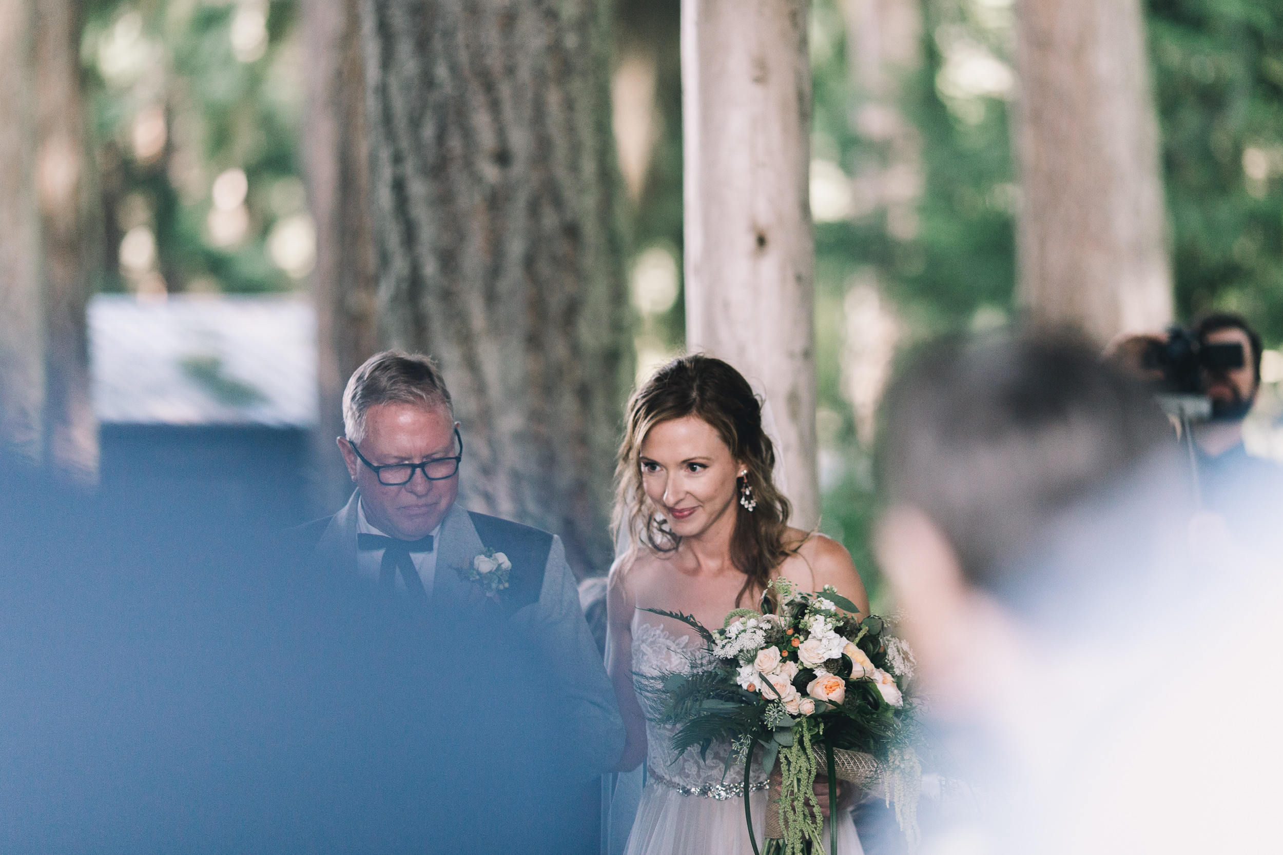 kitsap memorial state park bride walks down aisle with father