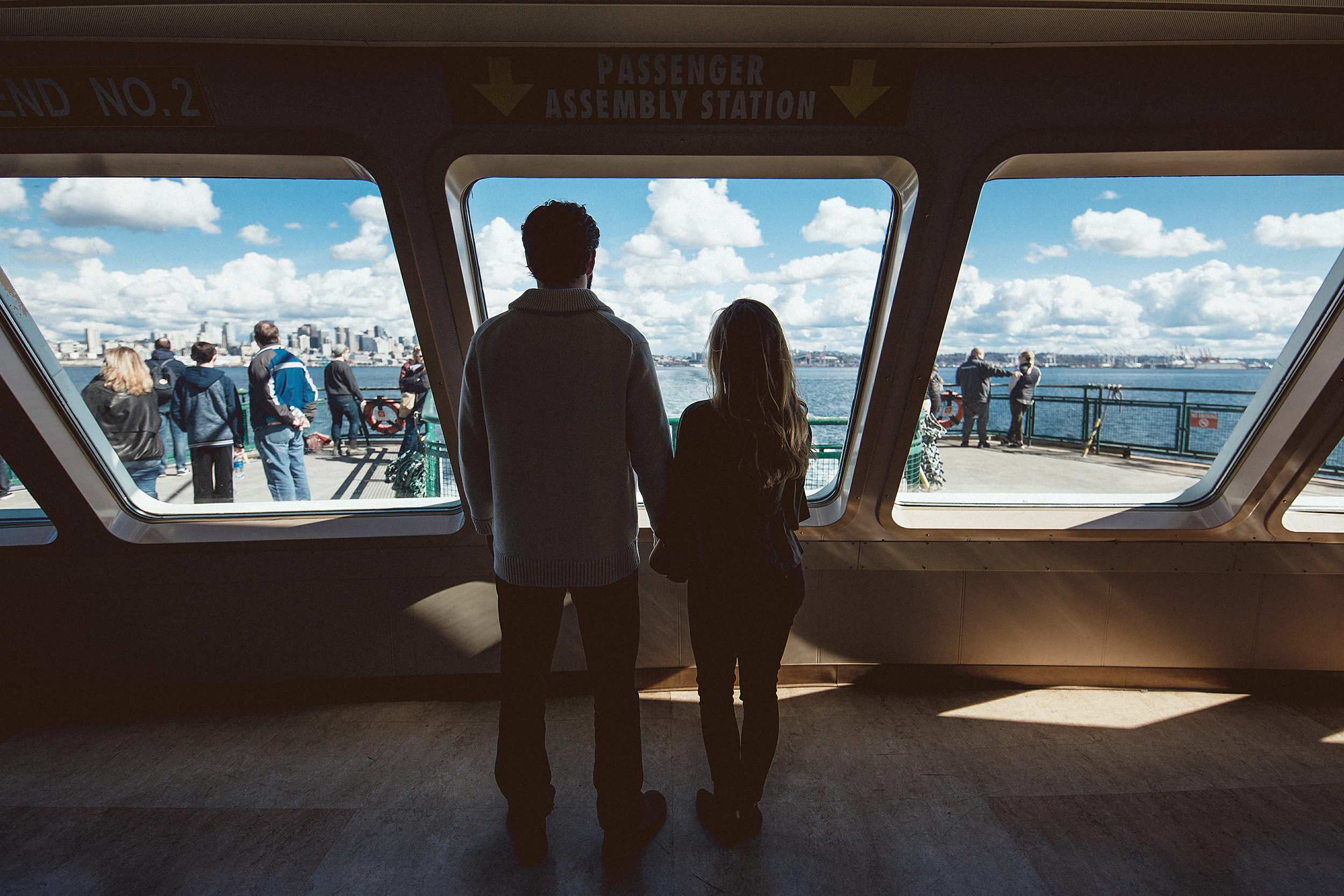 seattle ferry engagement photo session
