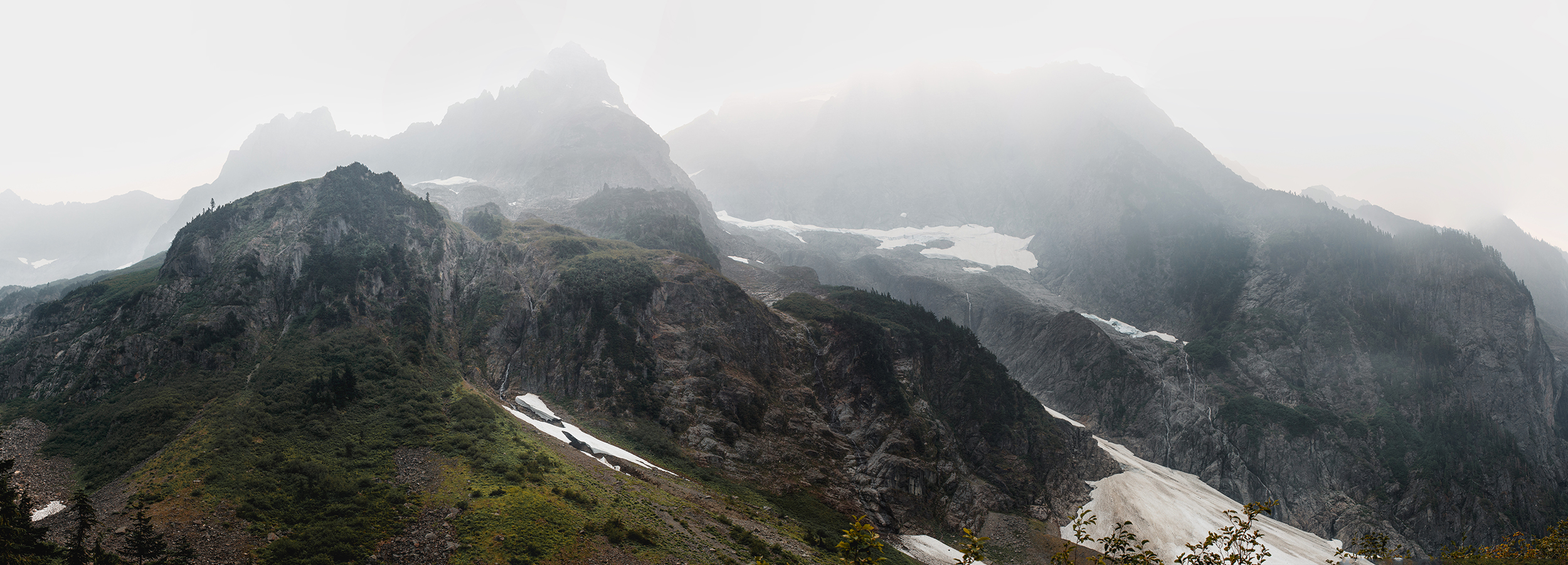 forest fire smoke in the north cascades national park