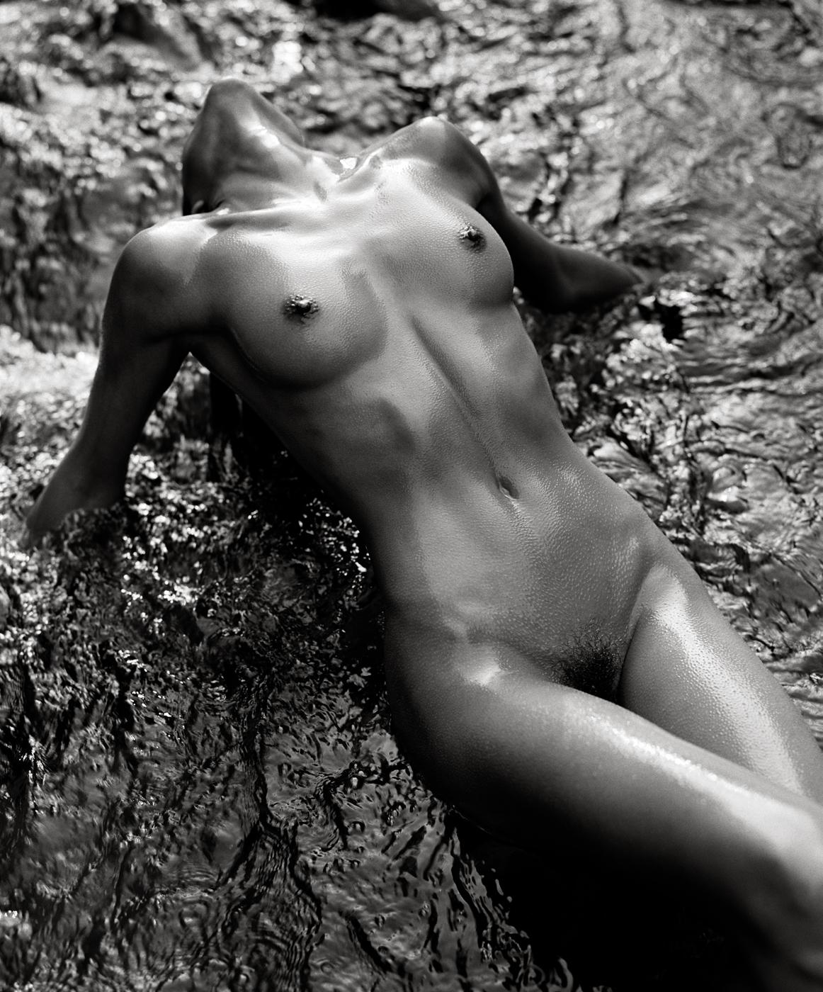 Simone_in_Stream,_Woodland_Valley,_1992.jpg