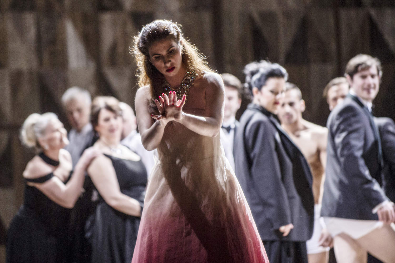la-traviata-2018-foto-erik-berg-04.jpg