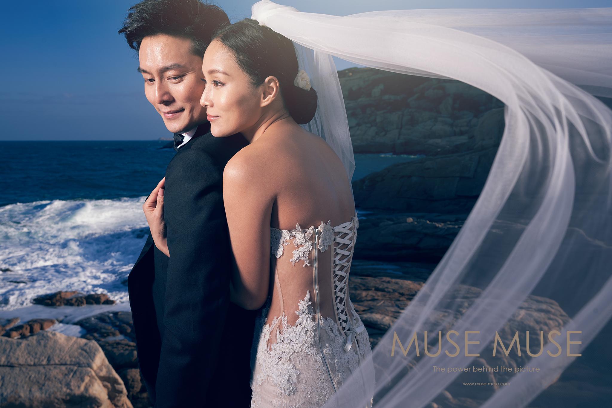Florence & Rhys Hong Kong Pre-Wedding 香港婚紗攝影,早一星期香港天氣密雲下雨,早兩天的陽光開始出來了,天氣涼涼的感覺很適合拍攝。出來的作品大家都非常喜歡。  Muse 很喜歡拍攝香港石澳,實在太美了!期待三月份拍攝妳們的婚禮!