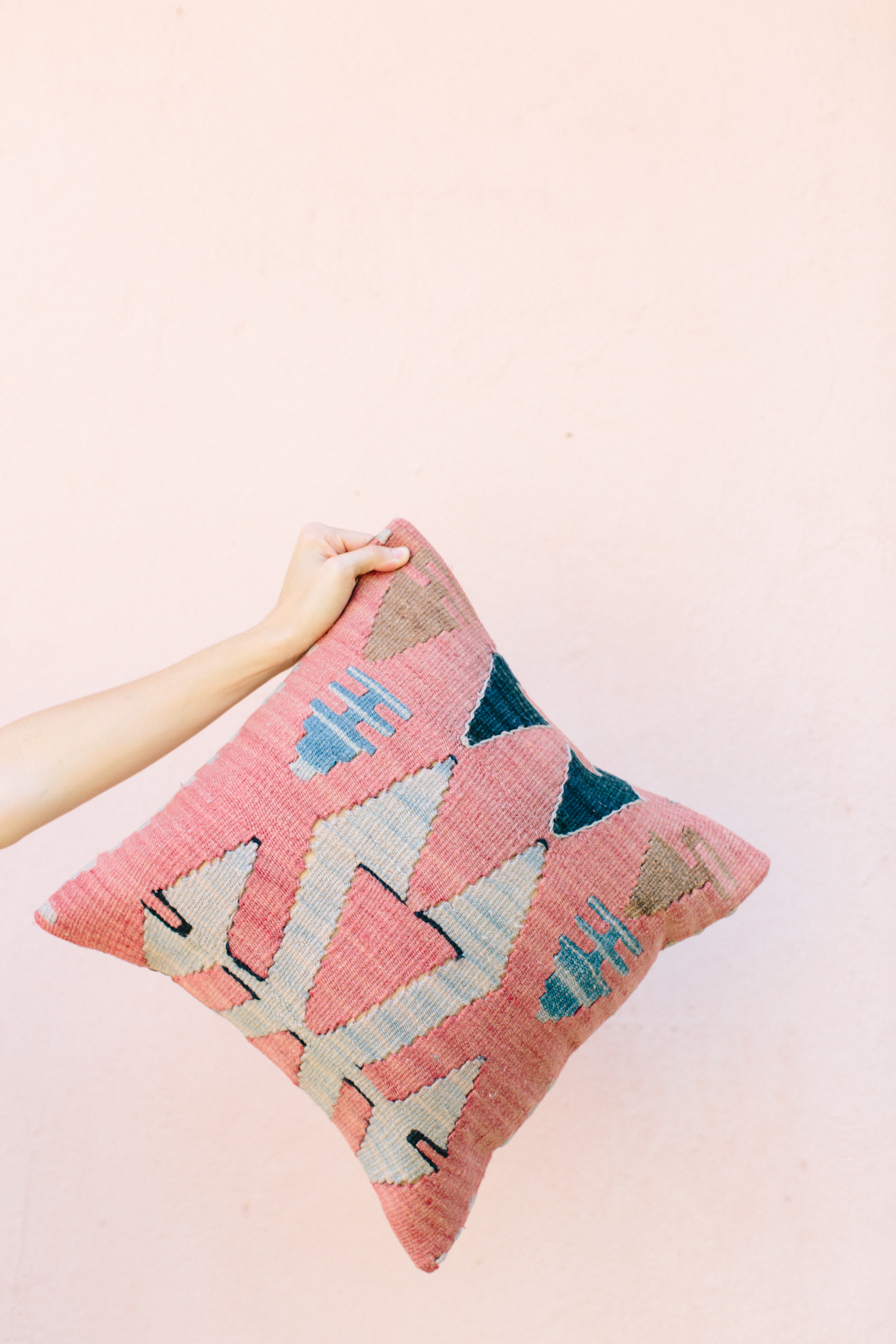 LOFT CREATIVE KILIM PILLOW-19.jpg