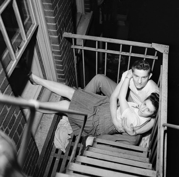 vintage-photographs-new-york-street-life-stanley-kubrick-59a91f2ed5fa4__700.jpg
