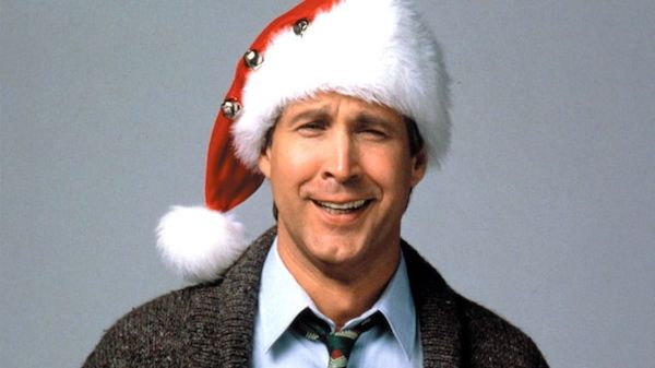 gallery-1447339123-national-lampoons-christmas-vacation-chevy-chase.jpg