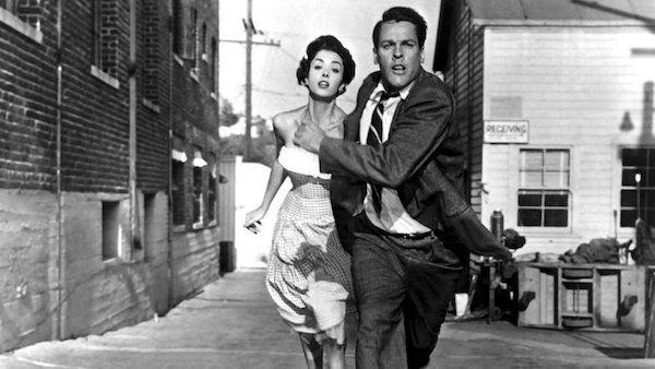 invasion-of-the-body-snatchers-1956-006-running-street.jpg