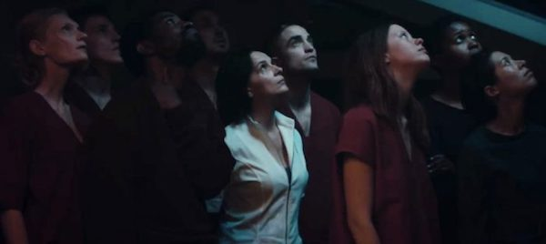 highlife-robertpattinson-group-staringup-700x313.jpg