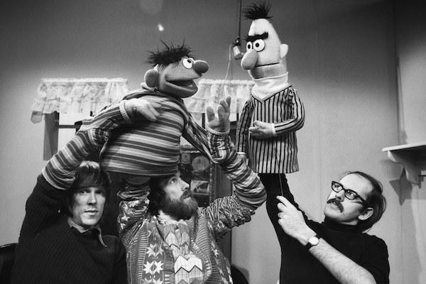 t-muppet-guys-talking.jpg