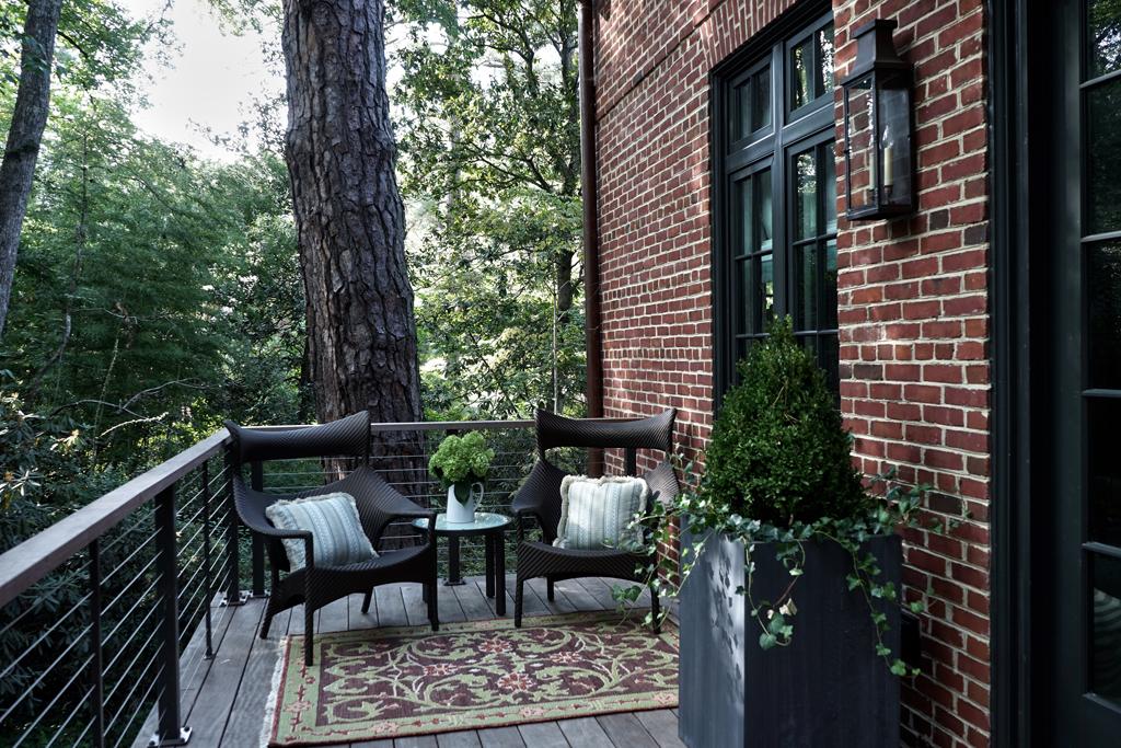 Treehouse_balcony.jpg