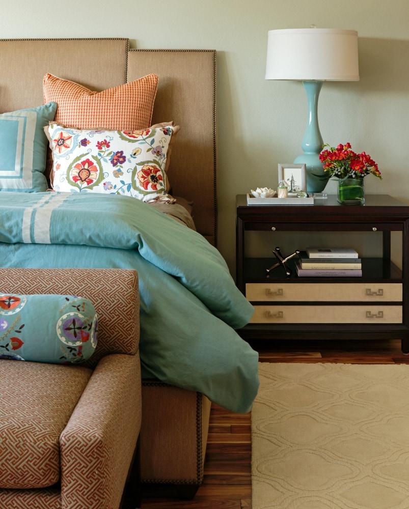 mason-hill-vineyard-bedroom-tablelamp-design.jpg