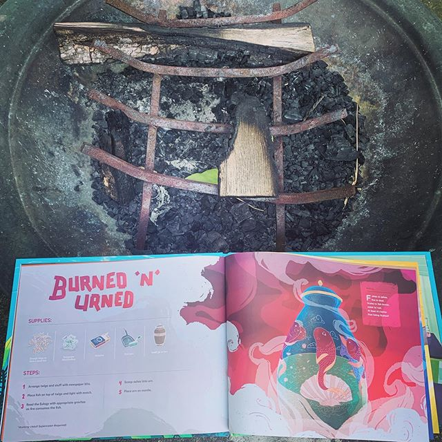 Burned & Urned 🔥🐠one of the many fish funerals you can find in #oopsthefishdied. Get yours in the link ☝️. . . . #petfish #kidsdiy #fishfuneral #kidsbestseller #bestseller #childrensbooks #mustread #readaloud #funnymom #funnydad #teache