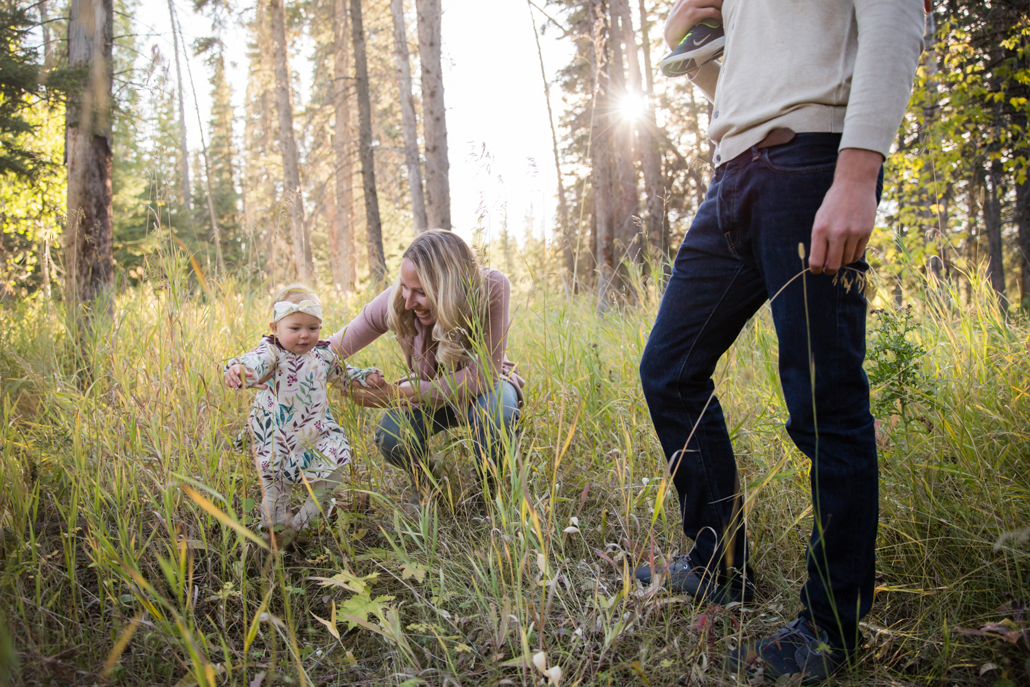 baby learning to walk, sunlight, family photography